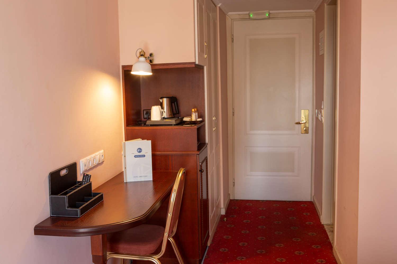 classic-room-5