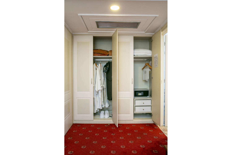 executive-room-9